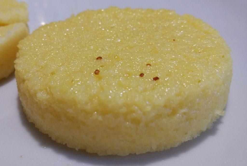 Rana pescatrice con polenta su crema di patate e porri