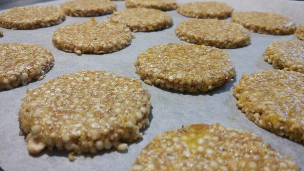 Formiamo i biscotti con una formina