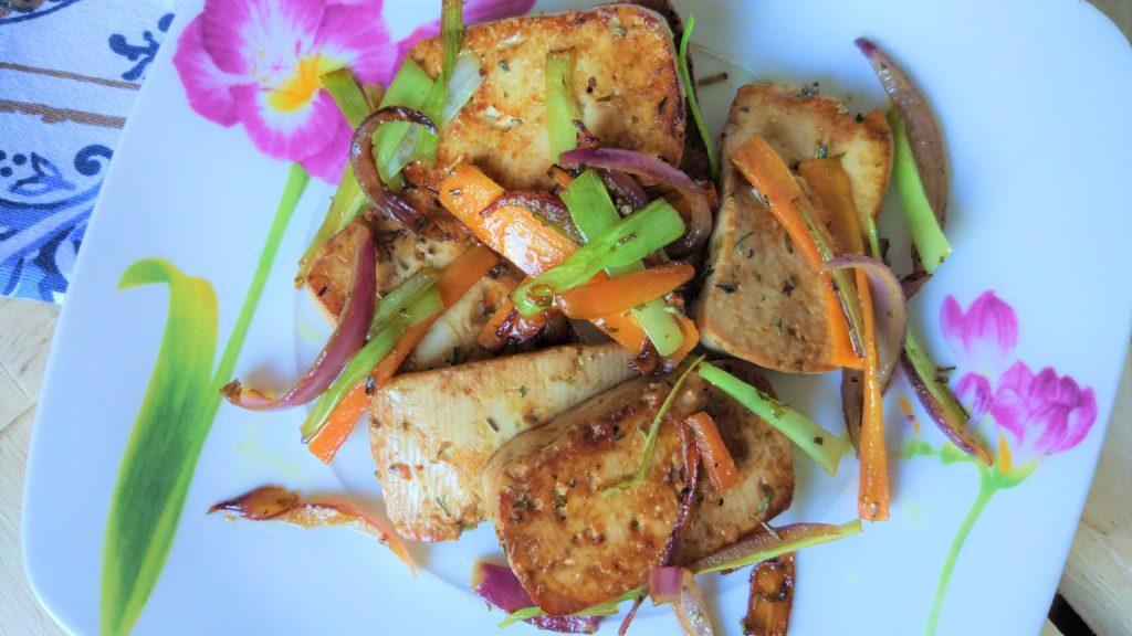 Tofu marinato con verdure China style