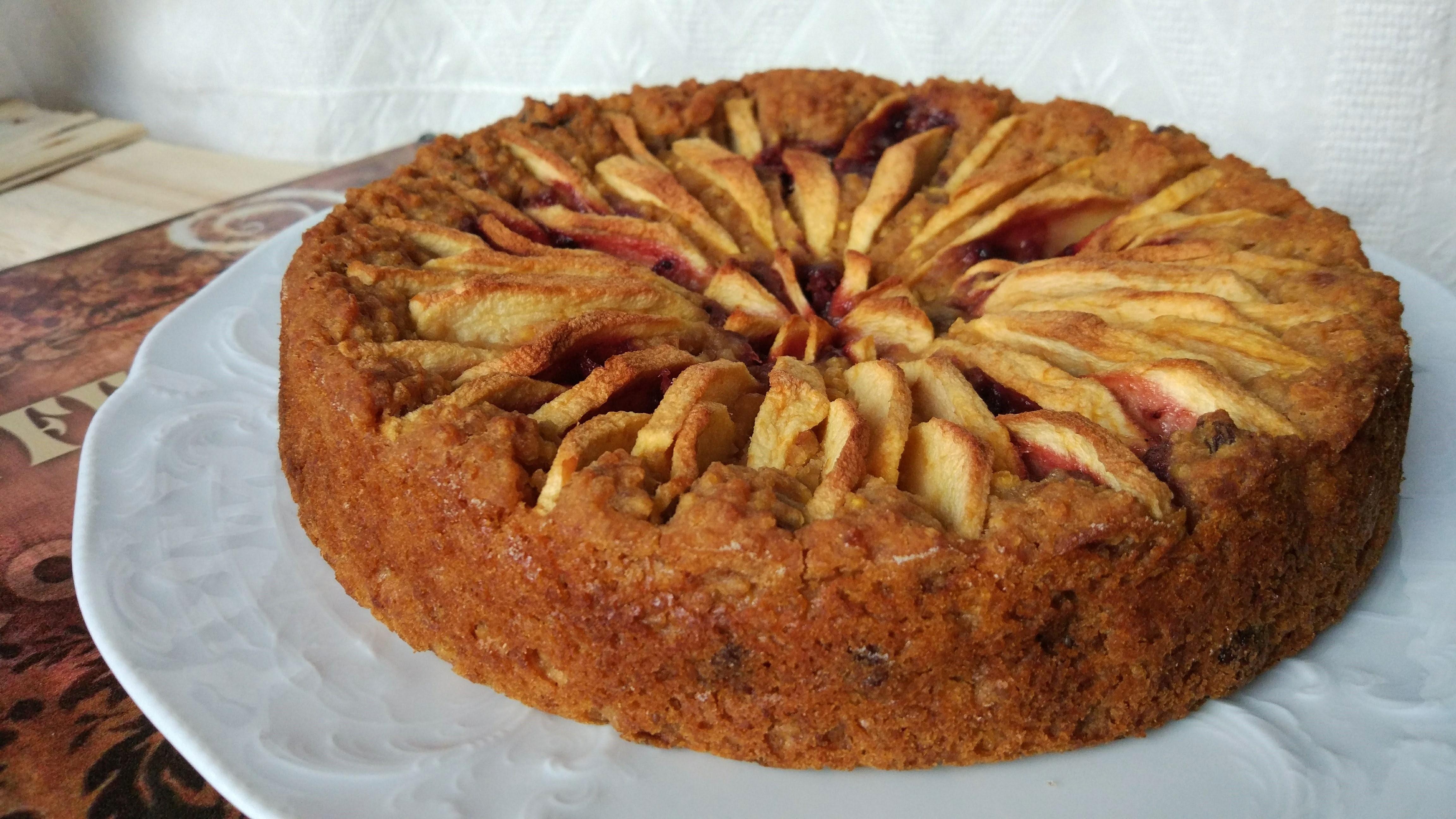 Torta di miglio alle mele e marmellata, senza zuccheri