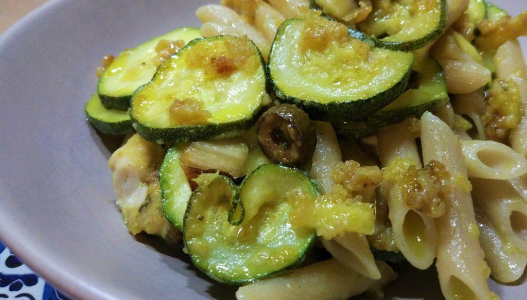 Cena con l'avanzo di zucchine e bocconcini di pollo