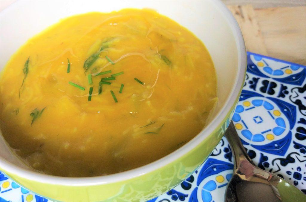 minestra di cicoria belga, finocchio e zucchine allo zafferano