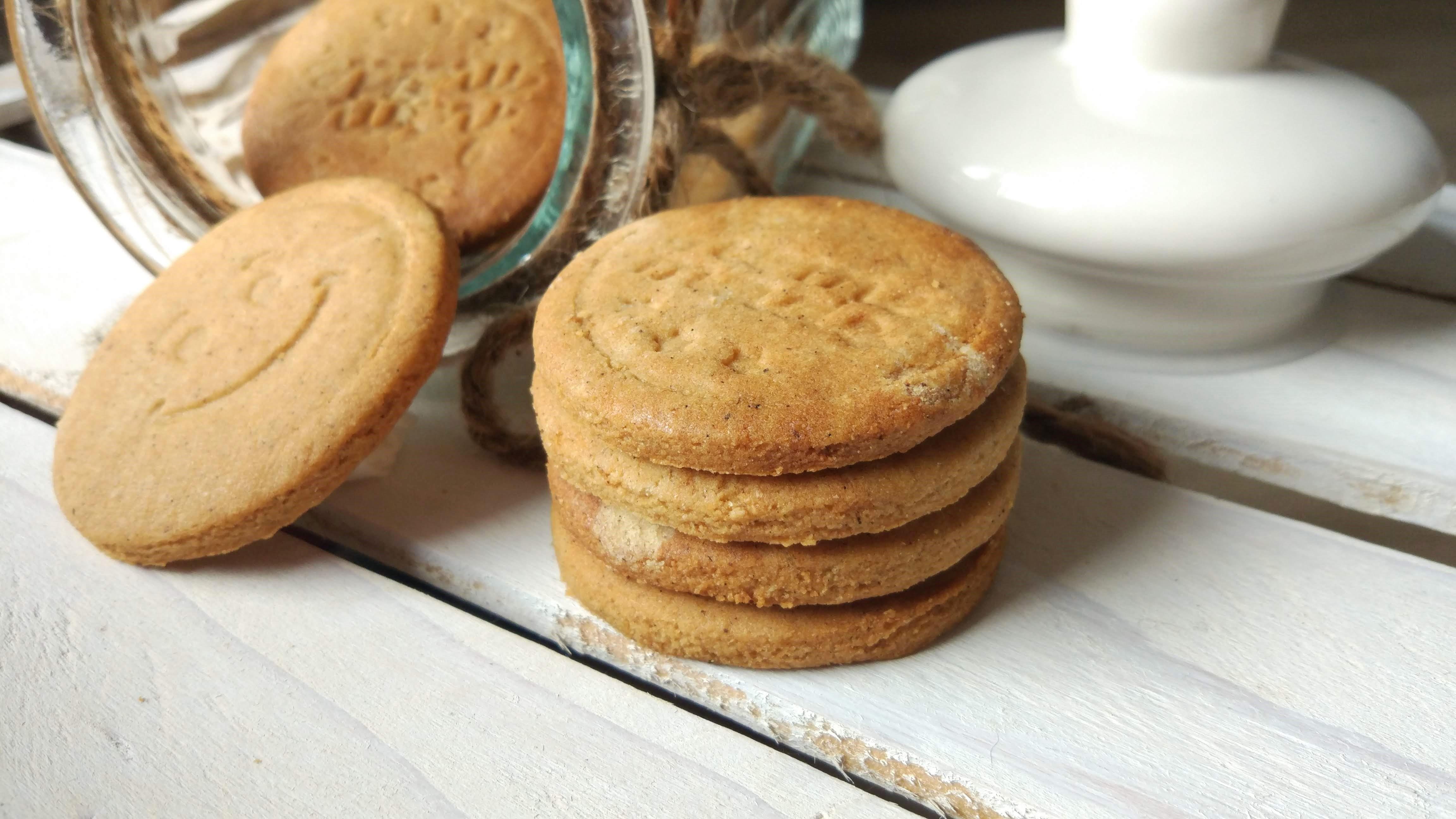 Biscotti speziati senza glutine alla chufa